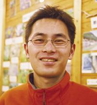 話を伺った、NPO「体験村 ・たのはたネットワーク」の 楠田拓郎さん(31)。東京から 移り住み6年。もう一人の 専任スタッフも横浜出身だ。