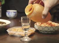 体験工房もあり、飲んでよし、食べてよし、作ってよしの「いか徳利」と、日本酒の愛は永遠に。