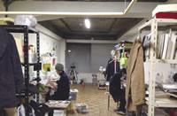 個室に加え、複数のアーティストが制作を行うシェアアトリエも。ビル全体で定員は51名だが、オープン以来ずっと満室だという。