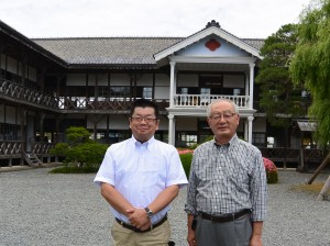 登米市観光物産協会の阿部さん(右)と三浦さん。