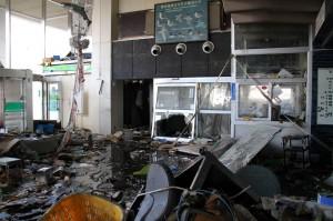 市役所も被災し、窓口対応は混乱を極めていた