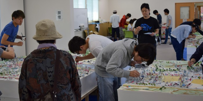 模型が引き出す住民の笑顔「記憶の街ワークショップfor富岡」