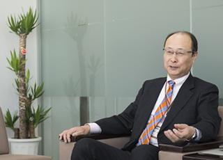 東北への人材派遣の意義について話す菅野総支社長