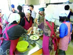 特産品づくりの切り札は、かーちゃんの力。婦人会メンバーが伝統の味の商品化へチャレンジ。