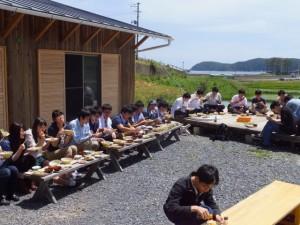 長洞元気村では手づくりの昼食を堪能