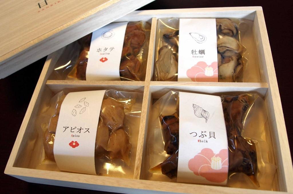 『三陸甘茶煮』は、「地元の資源を活用する」というコンセプトが評価され、「復興ビジネスコンテスト2015」で大賞を受賞しました。