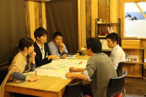 講義を踏まえ「リーダーシップ」について白熱した議論が繰り広げられた。